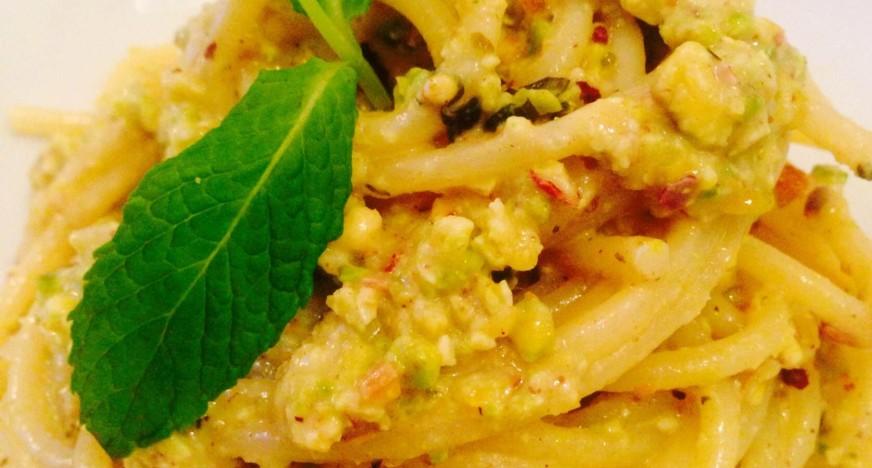 spachetti-al-pesto-di-pistacchio-872x468
