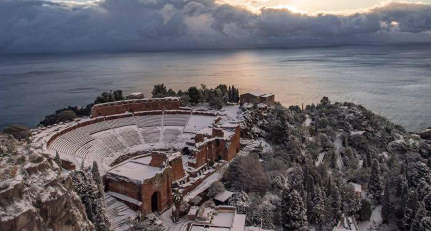 greek-theatre-snow-872x468